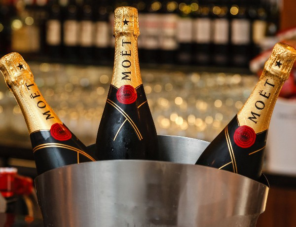 MediaCom champagne