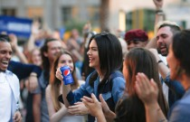 Pepsi pulls Kendall Jenner ad after online criticism